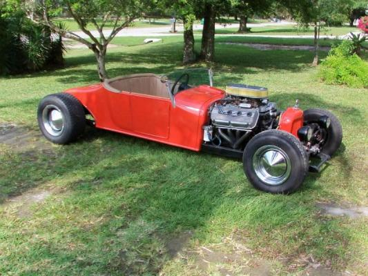Roadster with Chrysler Hemi Engine.